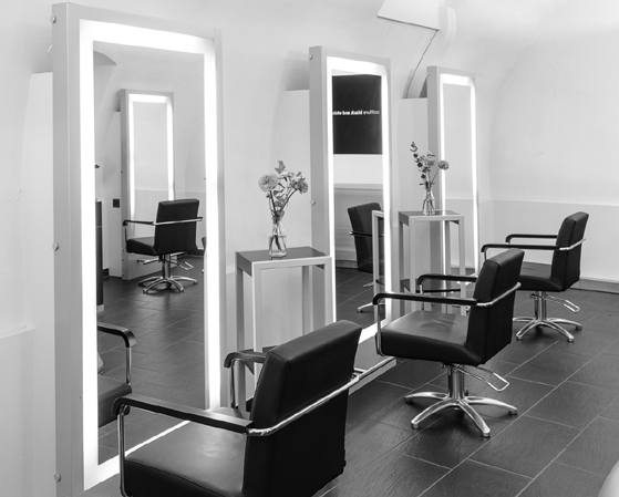 Coiffure Black and White